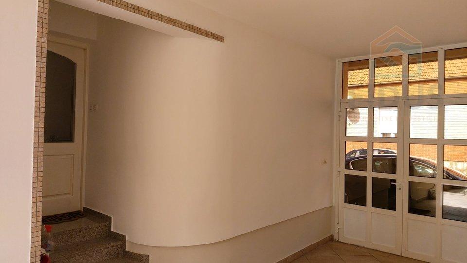 Haus, 180 m2, Verkauf, Osijek - Industrijska četvrt