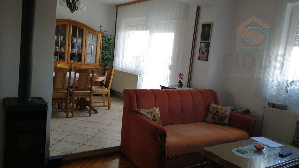 Casa, 192 m2, Vendita, Lipovača