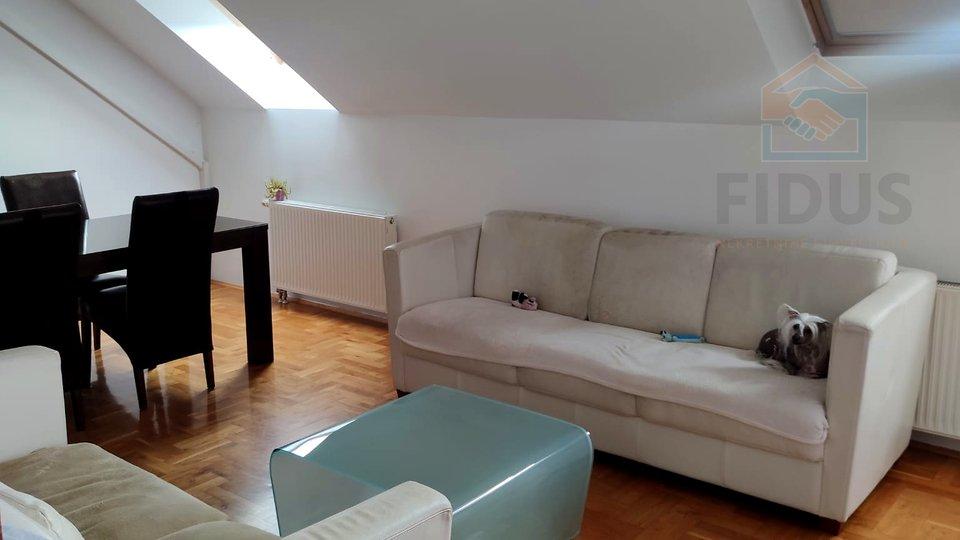 Appartamento, 117 m2, Vendita, Osijek - Gornji grad