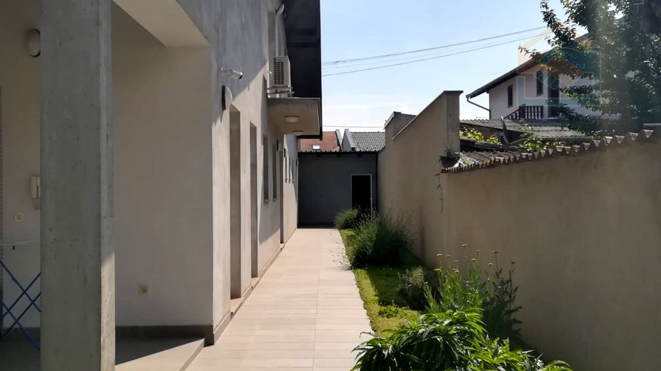 House, 220 m2, For Sale, Osijek - Retfala