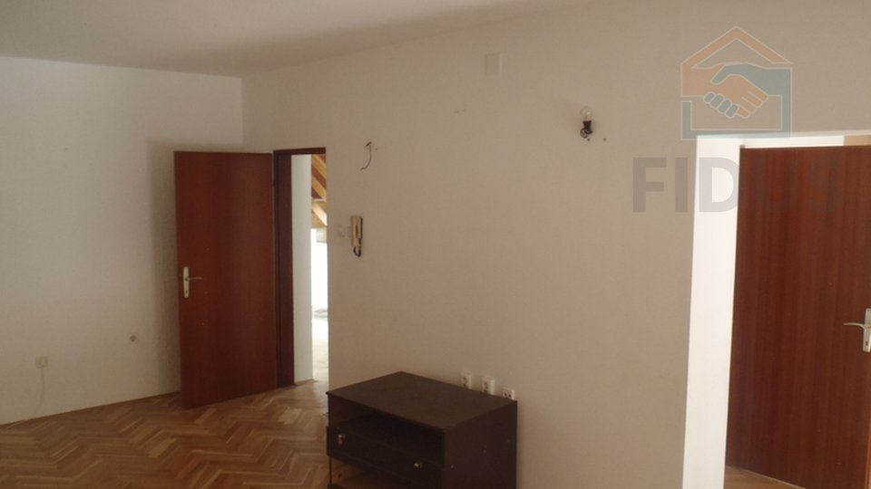 Haus, 310 m2, Verkauf, Osijek - Retfala