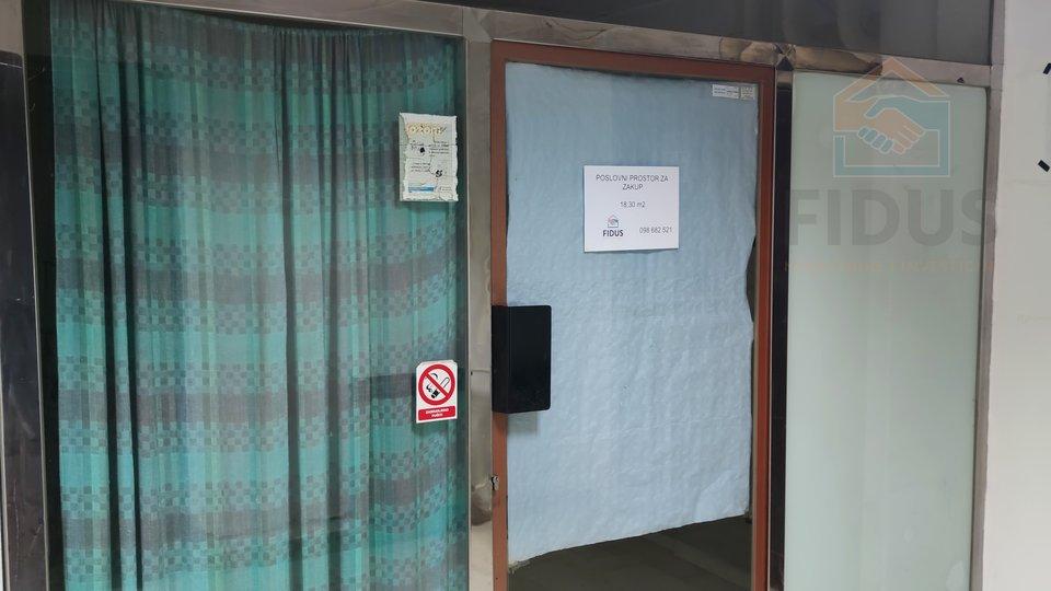 Geschäftsraum, 18 m2, Vermietung, Osijek - Gornji grad