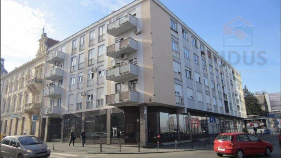 Poslovni prostor s izlogom - strogi centar Osijeka