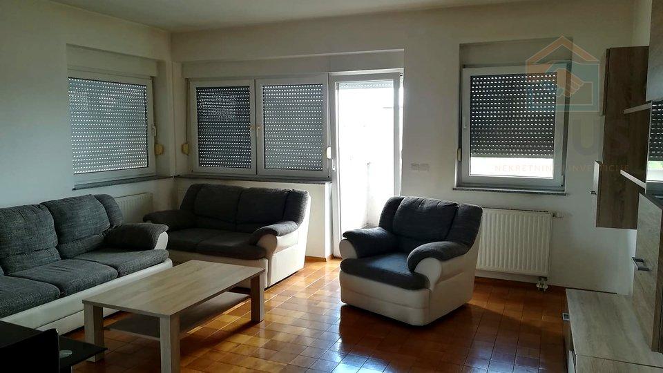 Četverosoban stan - širi centar Osijeka