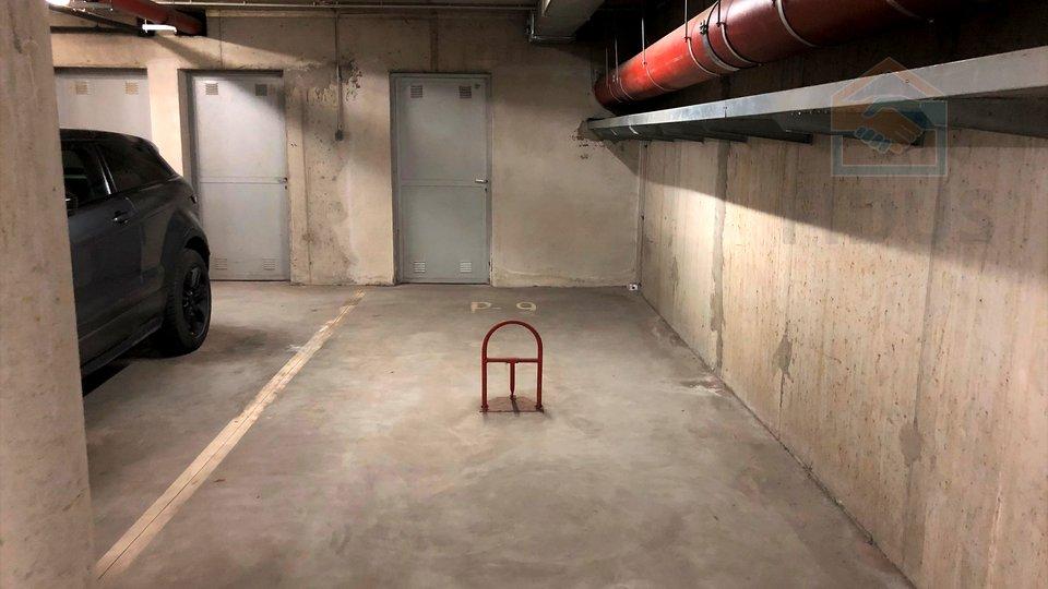 Garage, 20 m2, Verkauf, Osijek - Donji grad