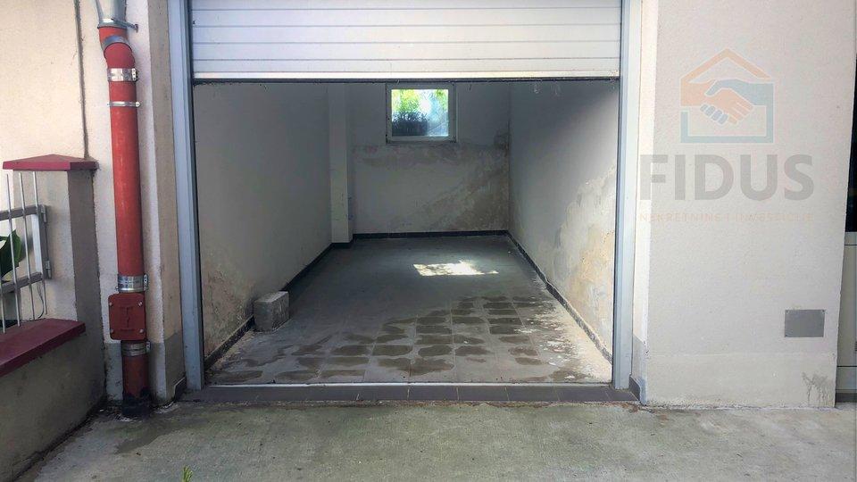 Garage, 20 m2, For Sale, Osijek - Donji grad