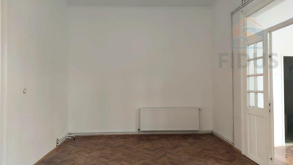 Appartamento, 126 m2, Vendita, Osijek - Gornji grad
